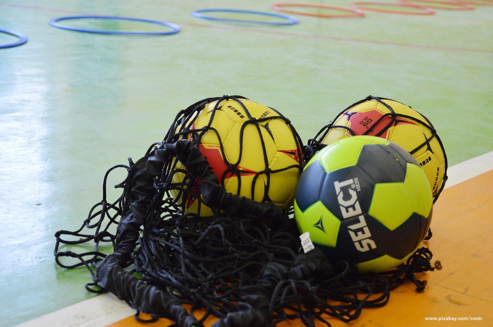 piłki do gry w piłkę ręczną w siatce